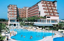 oferta last minute la hotel Holiday Park Resort